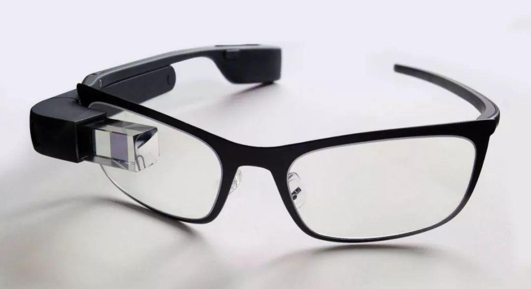 全球首款!Mojo推出搭载直径0.48毫米14000ppi MicroLED的AR隐形眼镜  第2张