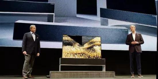零边框,MicroLED,可卷曲,8K 三星,LG再度上演彩电巅峰对决  第2张