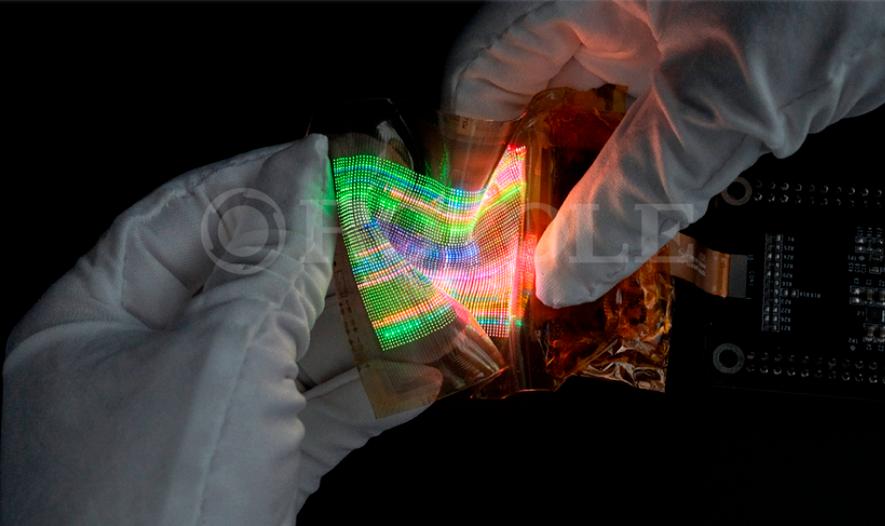 柔宇首发MicroLED弹力柔性屏技术