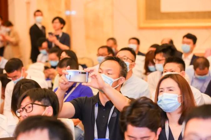 创新强链,合作共赢! 2021第八届海峡两岸(南京)新型显示产业高峰论坛成功举办  第7张
